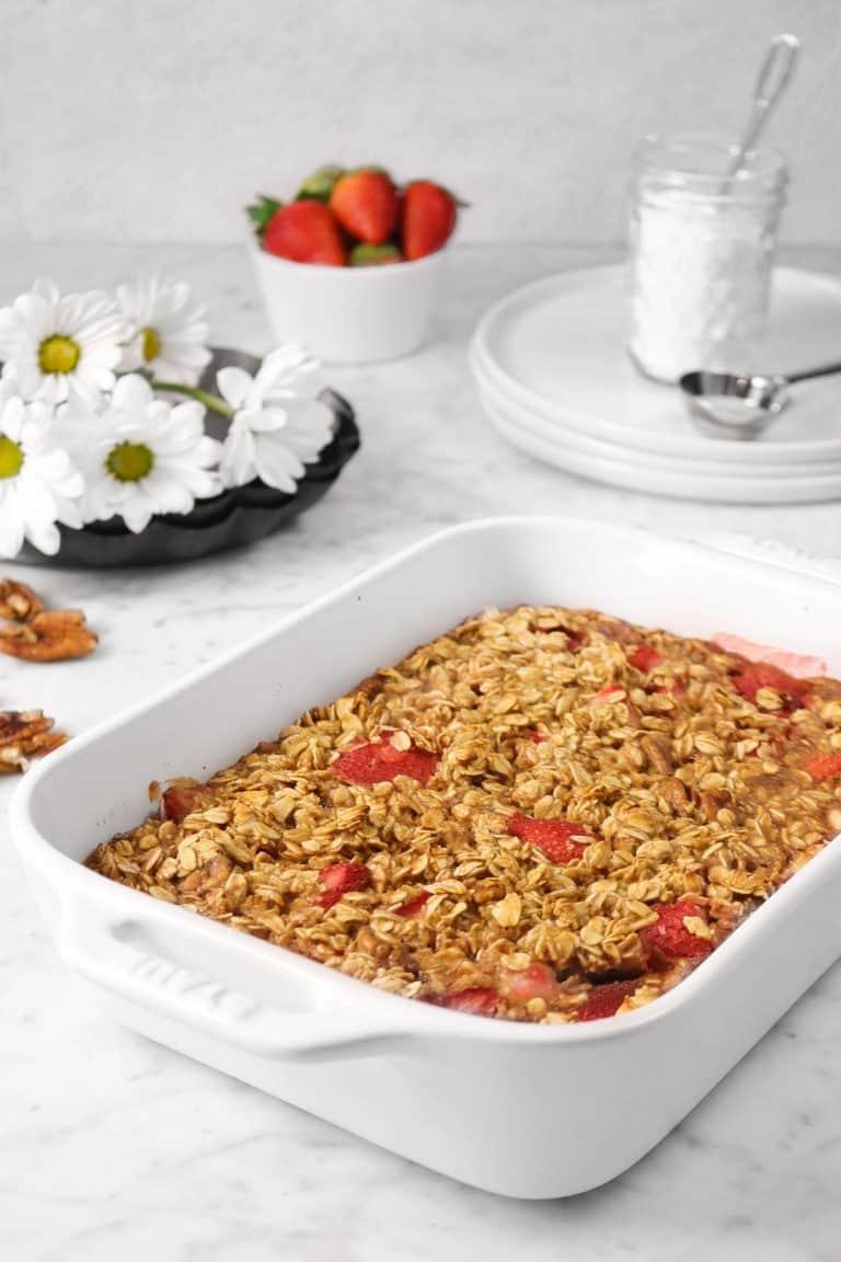 Strawberry Pecan Oatmeal Bake