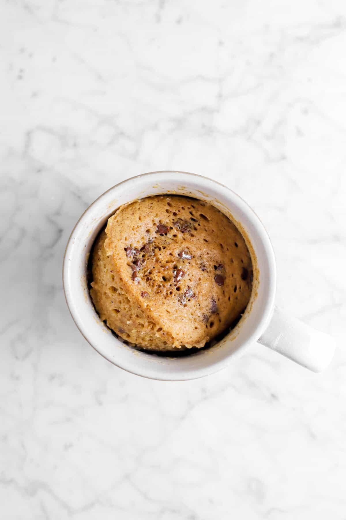chocolate chip gingerbread cake in a mug