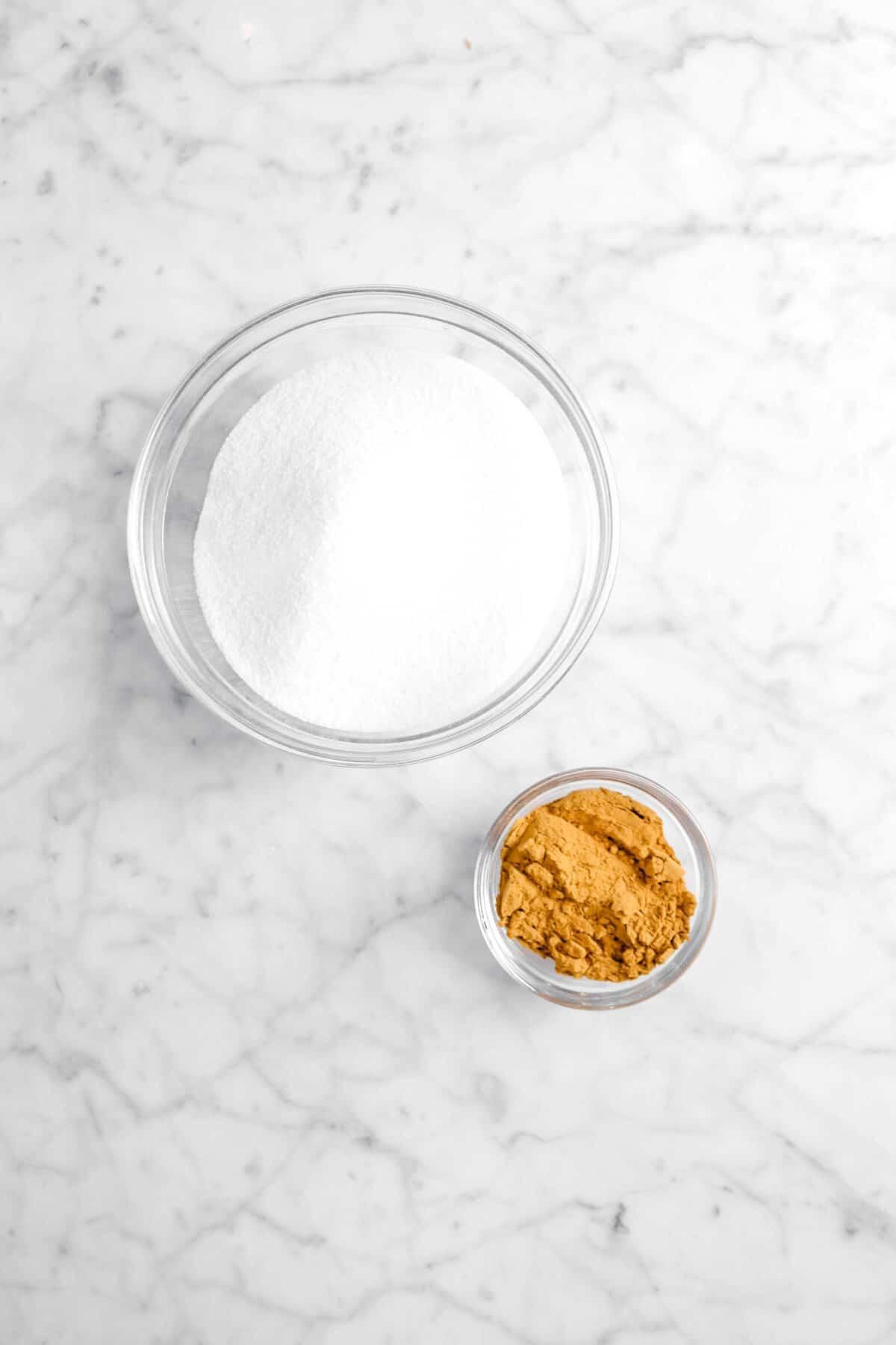 sugar and cinnamon in glass bowls