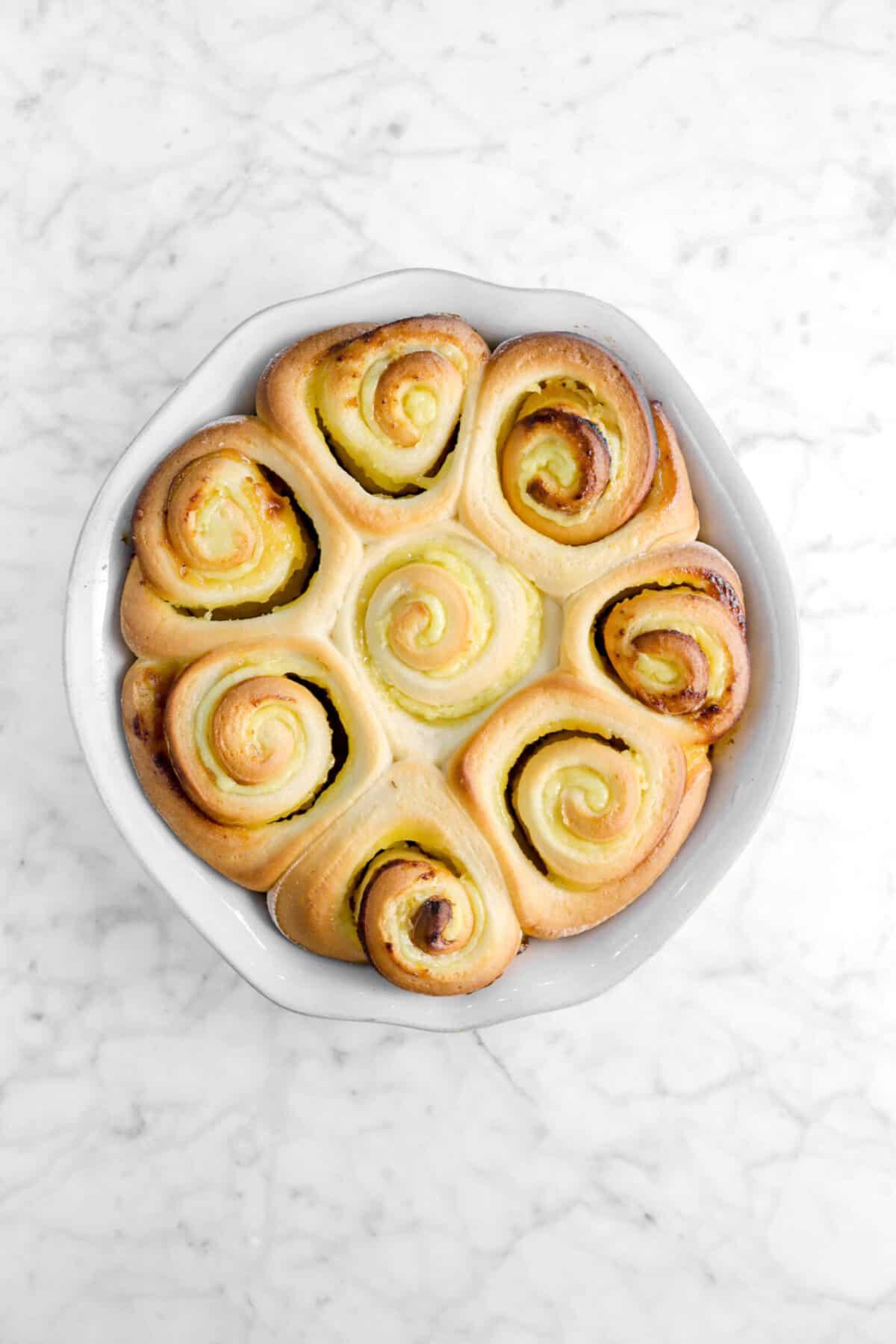 baked lemon rolls in pie pan
